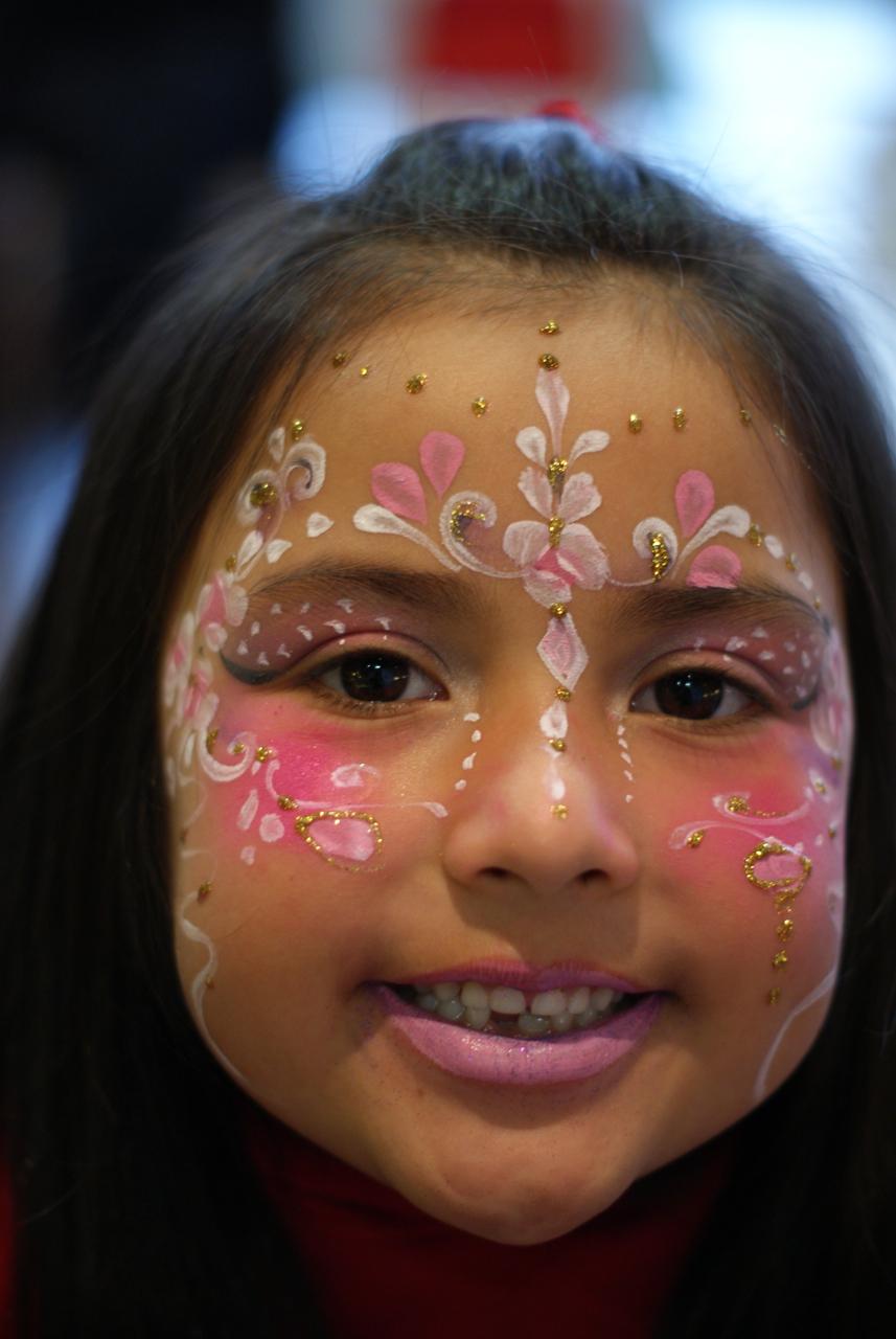 symmetrical flower design face painting � london face painters
